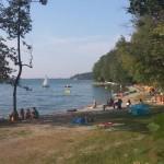 Badespaß am Ufer des Campingplatzes